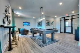 400 Meeting Apartments Charleston