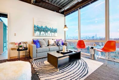 1237-West-Chicago-IL-Living-Area-With-City-View-Unilodgers
