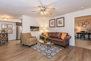 Shadowood-Apartments-Chapel-Hill-New-Jersey-Living-Room-Unilodgers