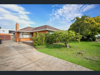 16-Palm-Beach-Crescent-Mount-Waverley-Student-Accommodation-Melbourne-Exterior-Unilodgers