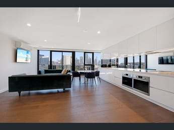 703-69-Flemington-Road-North-Melbourne-Student-Accommodation-Melbourne-Living-Area-Unilodgers