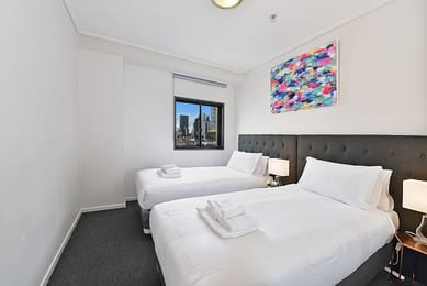 415-181-Exhibition-Street-Melbourne-Bedroom-Unilodgers
