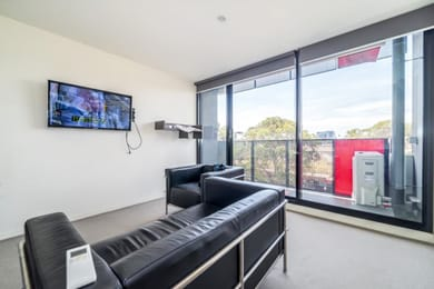 304-253-Franklin-Street-Melbourne-Student-Accommodation-Melbourne-Common-Area-Unilodgers