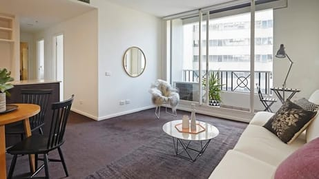 902-82-Queens-Road-Melbourne-Student-Accommodation-Melbourne-Living-Area-Unilodgers