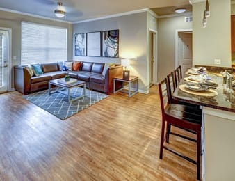 601-Copeland-Tallahassee-FL-Living-Area-Unilodgers