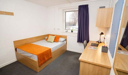 St-Peter-House-Aberdeen-Classic-Studio-Room-Unilodgers