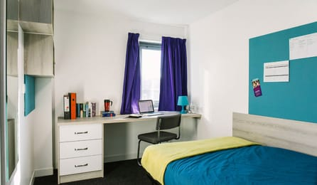 Mercury-Point-Southampton-Premium-Range-1-En-Suite-Room-Unilodgers
