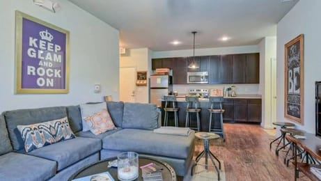 The-Provincial-Conway-SC-Living-Area-Unilodgers