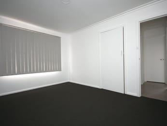 Unit-2-27-Elder-Street-Melbourne-Bedroom-Unilodgers.jpg