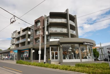 315-242-glen-huntly-road-elsternwick-student-accommodation-Melbourne-Exterior-Unilodgers