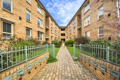 11-65-67-park-street-st-kilda-west-student-accommodation-Melbourne-Exterior-Unilodgers