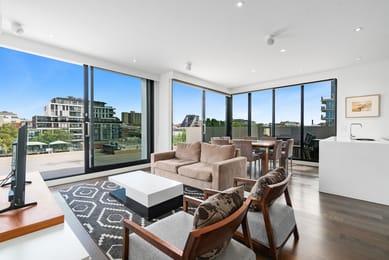 403-46-cambridge-street-collingwood-student-accommodation-Melbourne-Living-Area-Unilodgers
