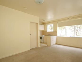 6-446-albion-street-brunswick-student-accommodation-Melbourne-Living-Area-Unilodgers