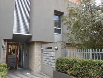 3-24-milton-street-elwood-student-accommodation-Melbourne-Outdoor-Unilodgers