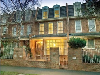 7-55-60-canterbury-road-middle-park-student-accommodation-Melbourne-Exterior-View-Unilodgers