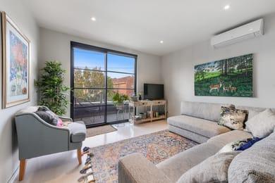 31-220-barkly-street-st-kilda-student-accommodation-Melbourne-Living-Area-Unilodgers