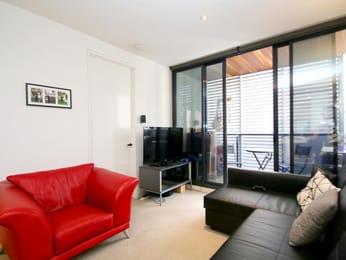 912-108-flinders-street-melbourne-student-accommodation-Melbourne-Living-Area-Unilodgers