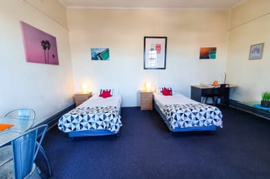 Empire-Hotel-Annandale-Sydney-Double-Twin-Deluxe-Unilodgers