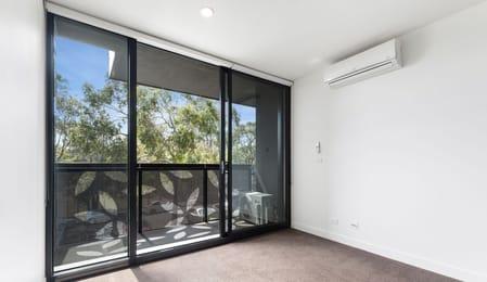 G05-97-Flemington-Road-North-Melbourne-Student-Accommodation-Bedroom-Unilodgers