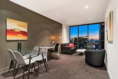 2608-1-freshwater-place-southbank-student-accommodation-Melbourne-Dining-Area-Unilodgers