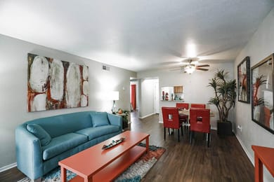 6947-Everhart-Apartments-Corpus-Christi-TX-Living-Area-1-Unilodgers