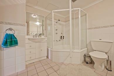 78-15-fawkner-street-braddon-student-accommodation-Canberra-Living-Area-Unilodgers