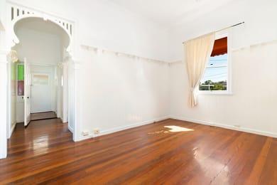 686-logan-road-greenslopes-student-accommodation-Brisbane-Living-Area-Unilodgers