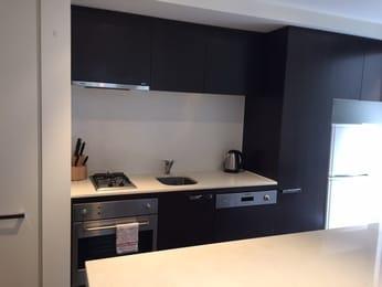 209v-162-albert-street-east-melbourne-student-friendly-accommodation-Melbourne-Unilodgers