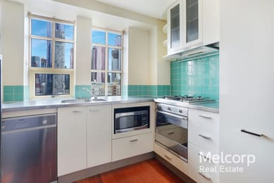 805d-336-russell-street-melbourne-student-friendly-accommodation-Melbourne-Unilodgers