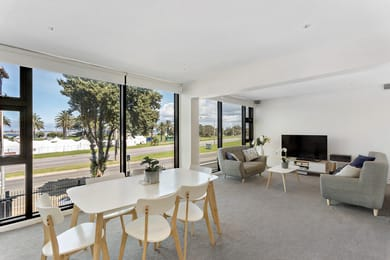 7-349-beaconsfield-parade-st-kilda-west-student-friendly-accommodation-Melbourne-Unilodgers