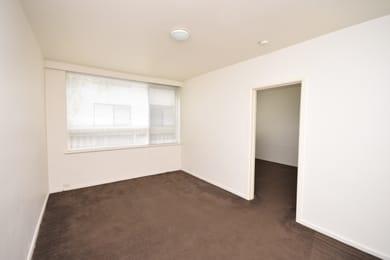 3-10-charnwood-grove-st-kilda-student-friendly-accommodation-Melbourne-Unilodgers