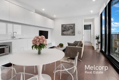 1804-151-berkeley-street-melbourne-student-friendly-accommodation-Melbourne-Unilodgers