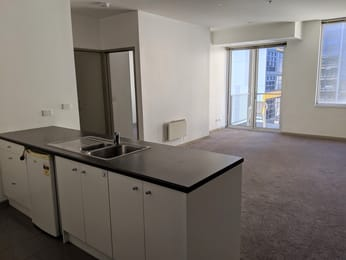709-270-king-street-melbourne-student-friendly-accommodation-Melbourne-Unilodgers