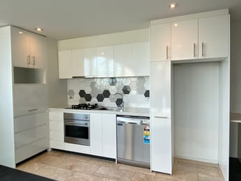 2305-8-downie-street-melbourne-student-friendly-accommodation-Melbourne-Unilodgers