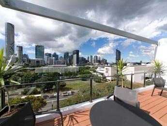404-25-hope-street-south-brisbane-student-friendly-accommodation-Brisbane-Unilodgers