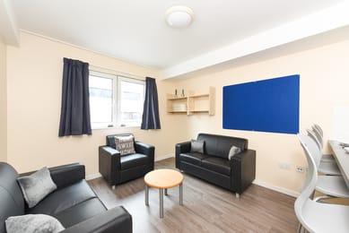 Apollo-Court-Liverpool-Silver-Bed-4-Unilodgers