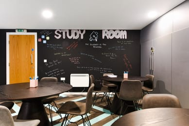 Brearley-House-Sheffield-2-Study-Room-Unilodgers