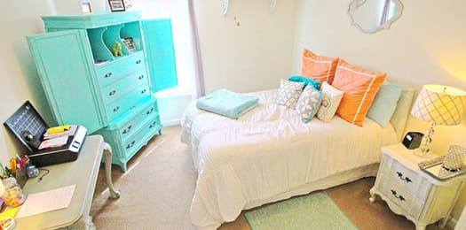Campbell-Creek-Lillington-NC-Bedroom-Unilodgers