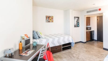 Dobie-Twenty21-Student-Spaces-Austin-TX-Bedroom-With-Study-Desk-Unilodgers