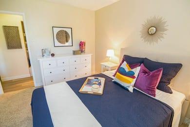 Fairways-at-Lowry-Denver-CO-Bedroom2-Unilodgers