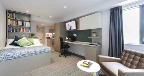 Holbrook-London-Bed-And-Living-2-Unilodgers