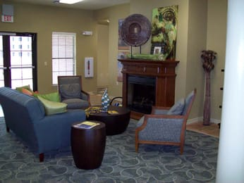 Jaguar-Courtyard-Shreveport-LA-Common-Room-Unilodgers