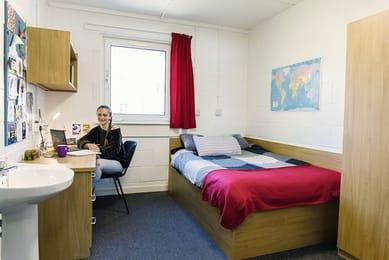 LibertyHouseLinksfield-Aberdeen-Bedroom1-Unilodgers
