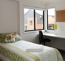 Macquarie-University-Village-Sydney-Bedroom-Unilodgers