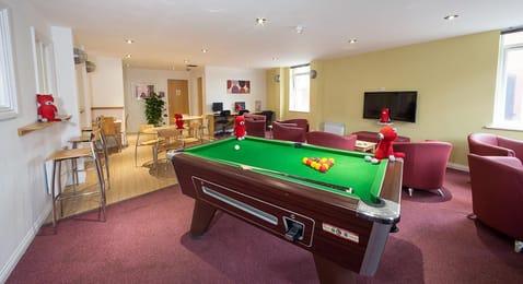 Q-3-Apartments-Manchester-Communal-Area-Unilodgers-14960586025