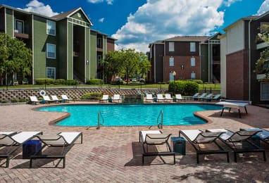 The-Beacon-Auburn-AL-Swimming-Pool-Unilodgers