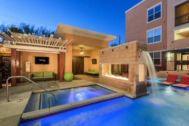 The-District-On-5th-Tucson-AZ-Swimming-Pool-Unilodgers