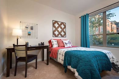 The-Province-Boulder-CO-Bedroom-With-Study-Desk-Unilodgers