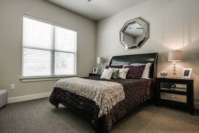 Tobin-Lofts-San-Antonio-TX-Bedroom-Unilodgers