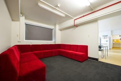 Unilodge-@-Melbourne-TV-Lounge-Unilodgers